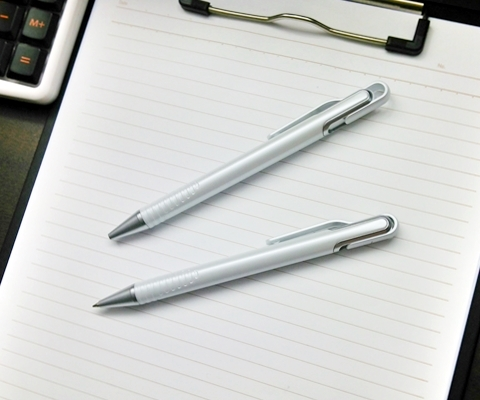 パールホワイトボールペン